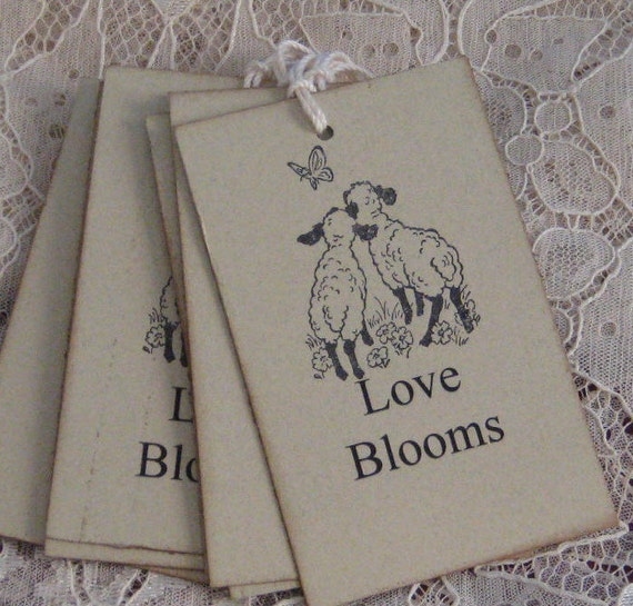 8 Love Blooms Sheep in Love Gift Tags