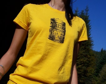 SALE - Tibetan Prayer Wheel Tee - womens tshirt, silkscreen tshirt, buddhist clothing, yoga tshirt