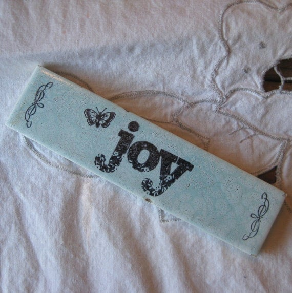 Joy Shabby Chic Decorative Tile