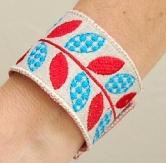 Leafy Vine Fabric Bracelet Machine Embroidery Design