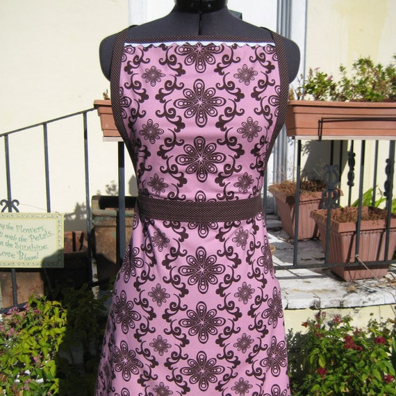 Full Dorothy Apron (pink and chocolate)