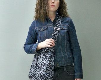 Grey Messenger Bag, Charcoal Grey and black, Adjustable Strap, Damask, Key Fob, 3 Pockets