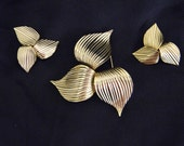 Vintage Sarah Coventry Brooch & Earring set