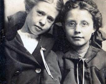 gem mini 1900 girls catholic school wearing beanie hats