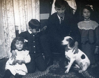 1900 Little Children w Family Hound Dog vintage photo