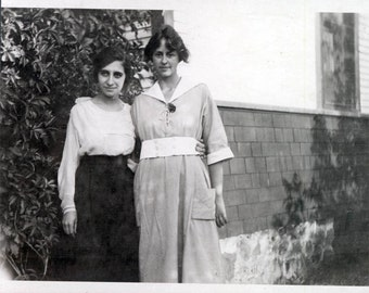 2 Best Girl Friends vintage photo 1919