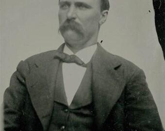 Banker Blue Eyed Gent tintype vintage photo