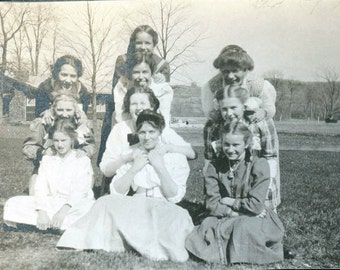 Girls Women all STacked up in yard vintage photo