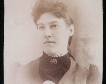 vintage photo 1897 Young Woman nice jewelry pretty
