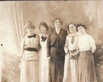 vintage photo 5 Women 1909 Studio RPPC
