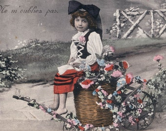 Vintage photo Little Girl in Flower CArt 1907 French postcard carte postale