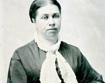 vintage photo tintype Civil WAr Era Woman tinted cheeks Bib collar
