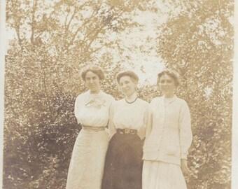 The 3 Graces Women Bathed in Sunshine Original Vintage photo 1911