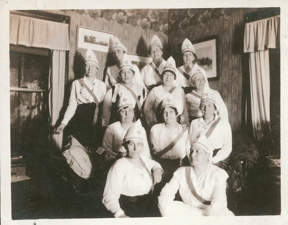 vintage photo Order of the Shamrock Women White hats 1918