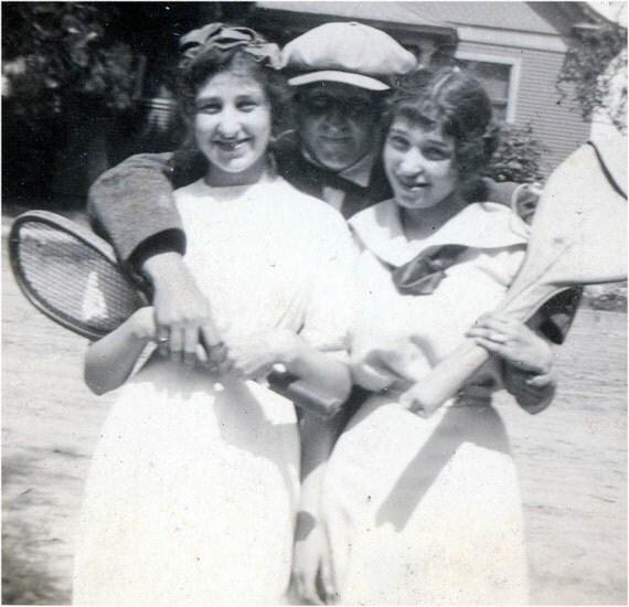 vintage photo 1912 Tennis ANyone orig