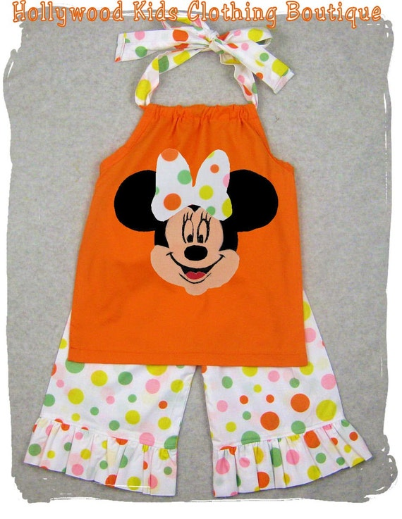 Custom baby clothes that will keep your little bundle of joy warm with some personal style that parents can love. Onesies, bibs, bodysuits, and more! All available in a variety of sizes and styles and all designs for little fingers and little toes.