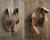 vintage brown woven leather platforms / size 9