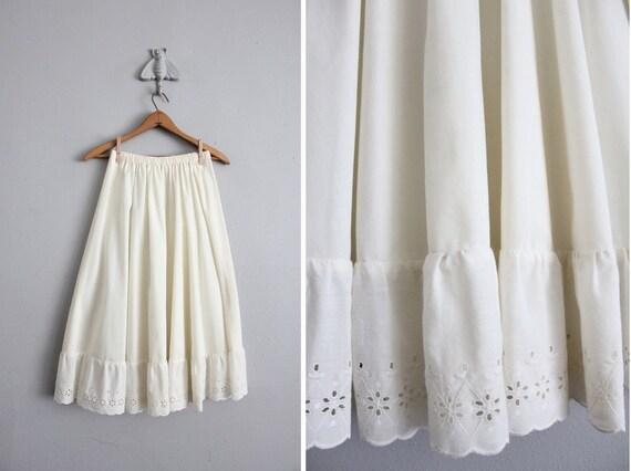 1970s vintage cream eyelet midi skirt