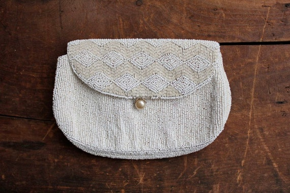 1930s vintage white seed bead purse