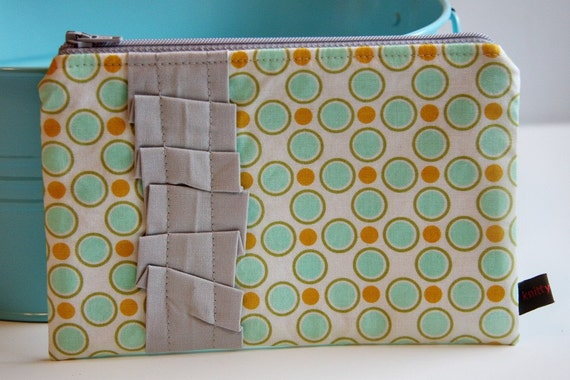 Everyday Ruffle Pouch (Ready to Ship)