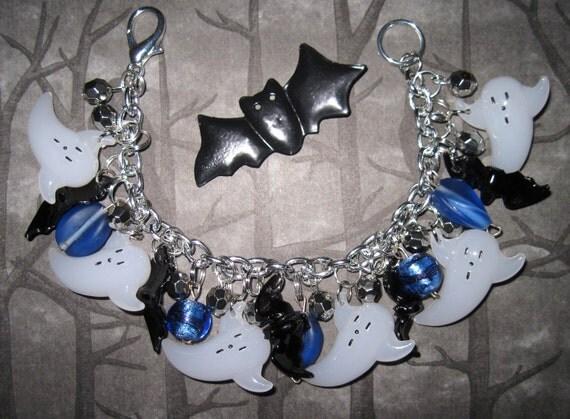 Halloween Bracelet Halloween Jewelry Ghosts & Bats Charm Bracelet Beads Trinkets OOAK Vintage Style Statement Piece Spooky Cute Psychobilly