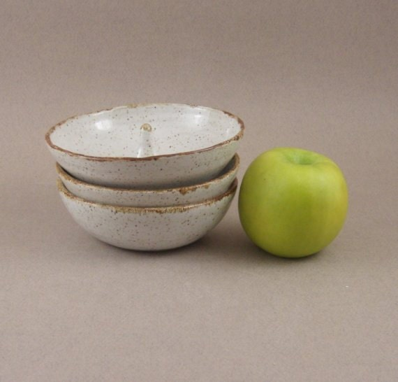 Stoneware / Ceramic  Apple Bakers, Jewelry Catch, Speckle White    s038