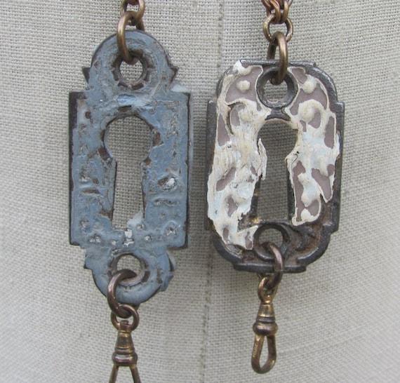 CLOSEOUT SALE 2x pcs. Wholesale lot bulk antique Escutcheon key hole chain Necklace Charm holder lanyard hardware Found Object c11