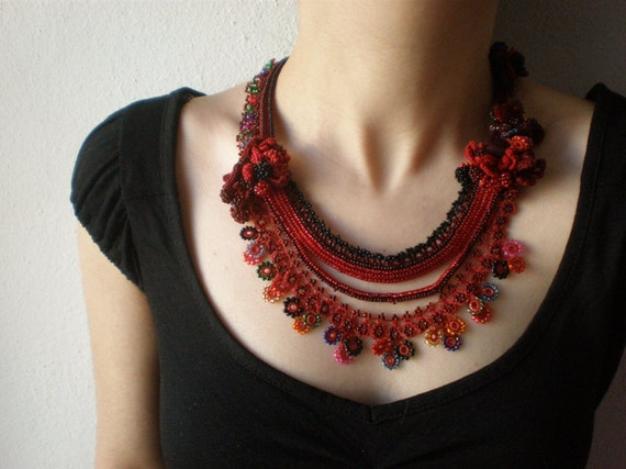 Phlox Drummondii  ... Beaded Crochet Necklace - Red Burgundy