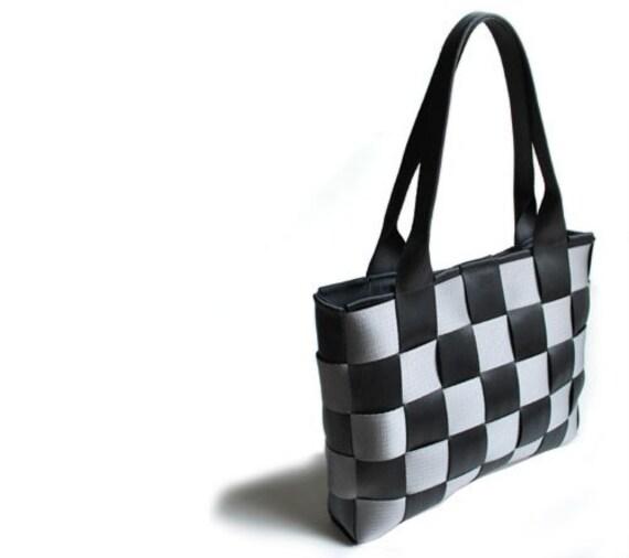seat belt bag - black and grey - medium flat tote handbag