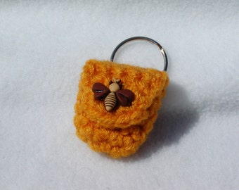 Crochet keychain Coin Cozy, coin holder, coin pouch, mini purse, coin purse, ring holder  - Gold with Honeybee