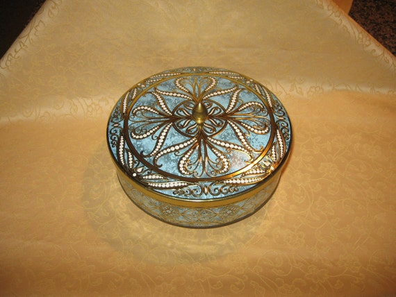 SALE VINTAGE TIN CONTAINER