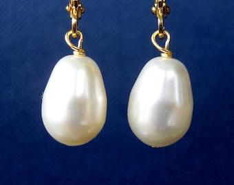 Cream Pearl Teardrop Earrings, Gold Pearl Earrings, Ivory Pearl Drop, Small Simple Earrings, Handmade Plump Pearl Bridal Earrings