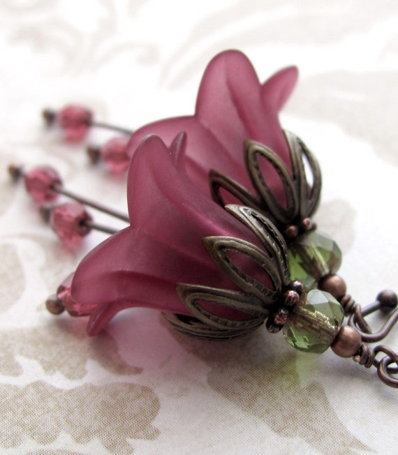 Romantic Burgundy Flower Earrings - Cranberry Red, Red Merlot Wine Flower Earrings, Vintage Style Wedding Jewelry, Bridesmaid Earrings