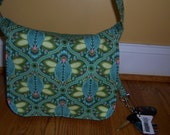 Messenger Bag - pdf Sewing Pattern - Make Your Own in 3 Sizes - makes a great purse, diaper bag or school bag