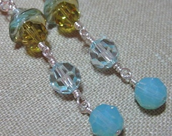 Flower Capped Lime and Light Blue Linear Earrings - E487