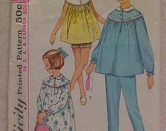 Vintage Pattern Girls Pajamas sz 8