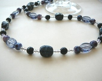 Glass Beads In Black, Mauve And White - Necklace - Pit Stop