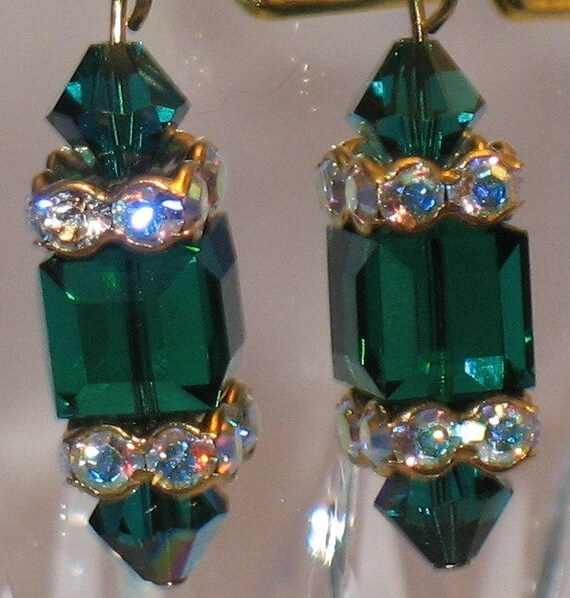 Emerald crystal earrings with crystal squaredells