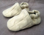 Ivory Cable Knit Wool Kids Slippers Leather Bottom 2 3 years old made from recycled materials