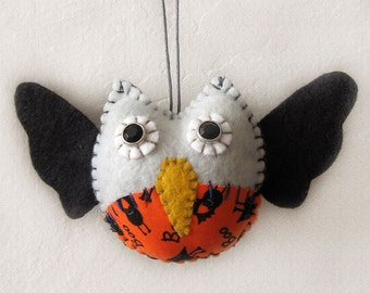 Halloween Vampire Owl Ornament - Limited edition