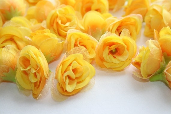 Set of 18 Mini Roses with Chiffon in Yellow and hint of mauve