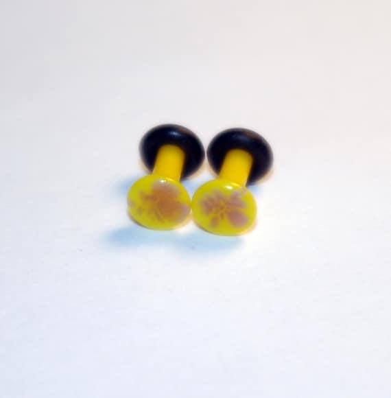 10g Yellow and Purple Pattern Glass Plugs Body Jewelry 10 Gauge 2.5mm Piercing