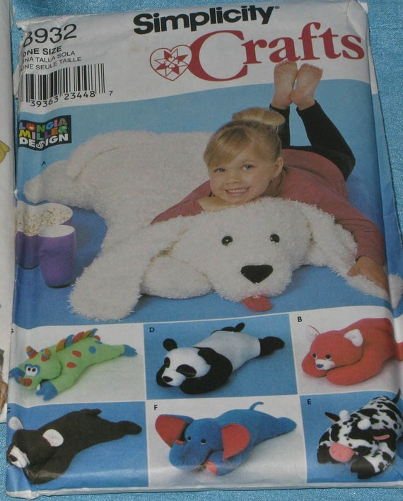 Sewing Pattern Simplicity Crafts 8932 Plush Pillow by kellystyle