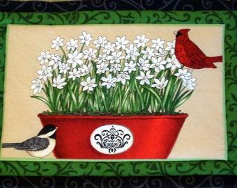 Holiday Table Runner Set, Christmas Potholders and Trivet Set, Christmas, Amaryllis, Poinsettia, Birds