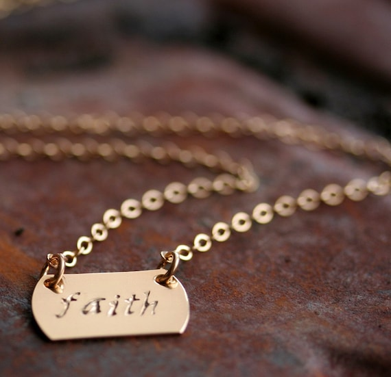 Near Your Heart Personalized Horizontal Petite Rectangle Choker Necklace in 14K Gold Filled