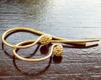 Vermeil Berry 23x11.5mm Earwire : 2 pc Vermeil Earwire