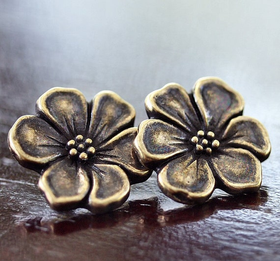 Apple Blossom Tierra Cast Pewter 16mm Brass OX Button : 2 pc