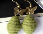 Brass butterflies earrings, felt earrings, felt jewellery, brass butterfly