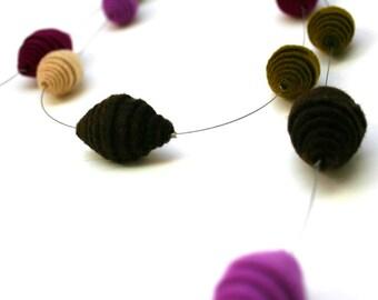 Saturno - Felt jewelry - Felt necklace - Textil jewelry - Colorful necklace