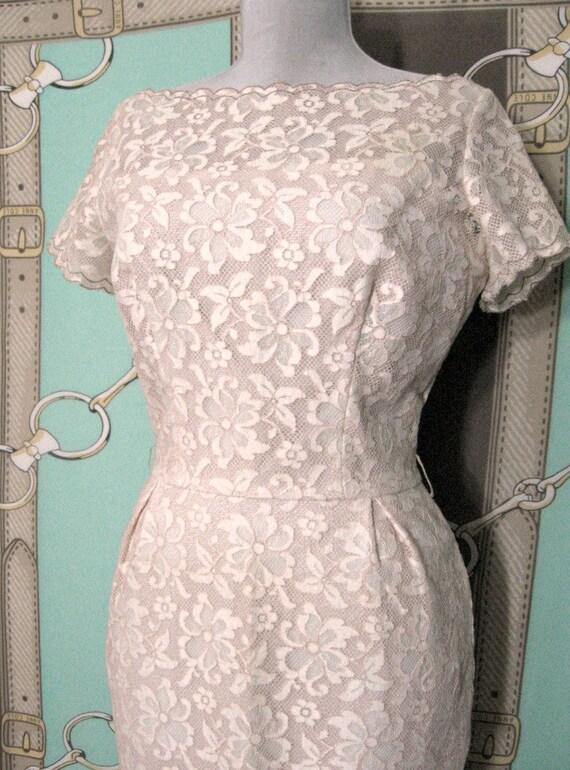 Vintage 1950s Dress/ Blush Pink/ Lace Wiggle Dress Sz M